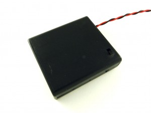 Корпус для четырёх батарей AA, закрытый с выключателем