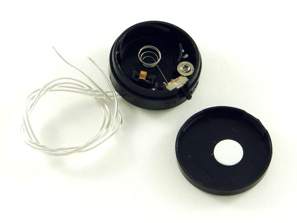 Корпус для двух батарей CR2032, с выключателем